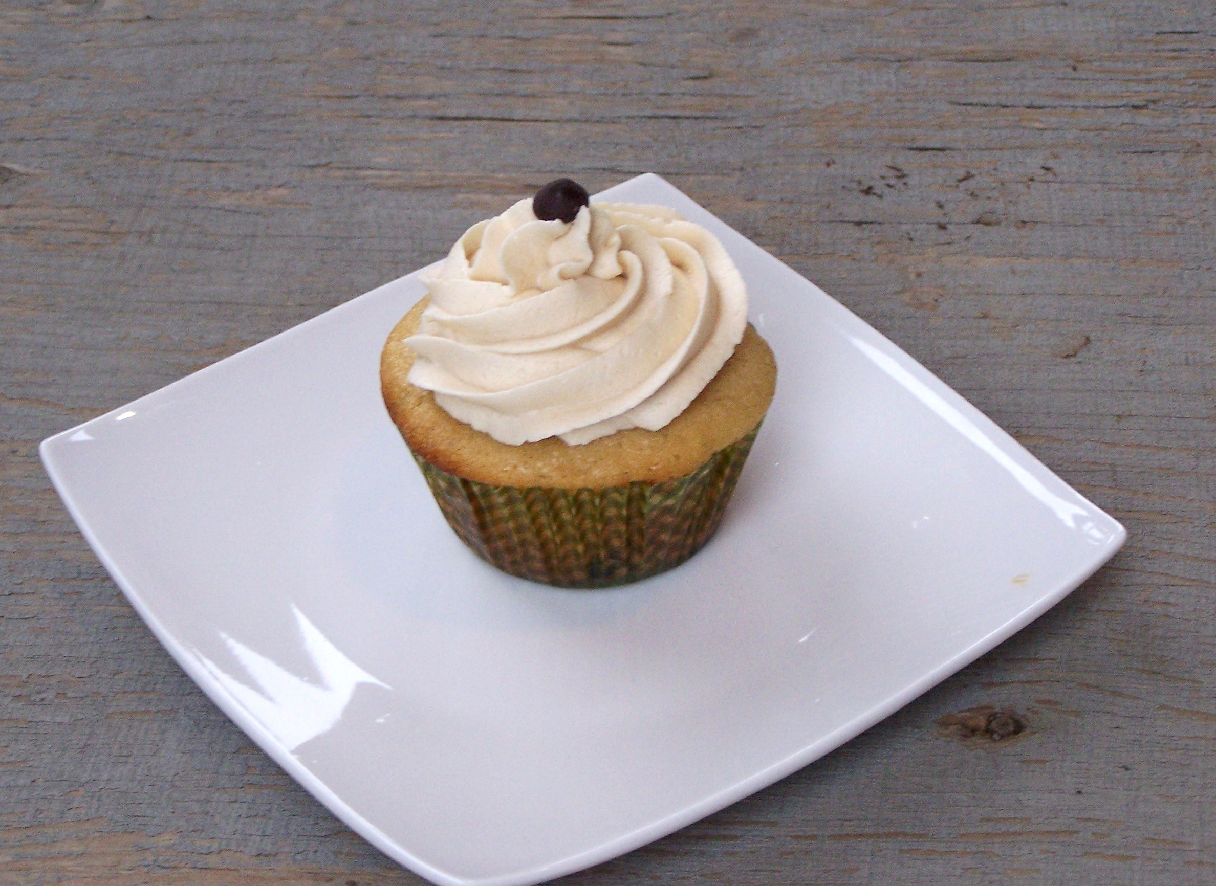 Chocolate Chip Cookie Dough Cupcakes - the cookie dough icing alone is CRAZY good!