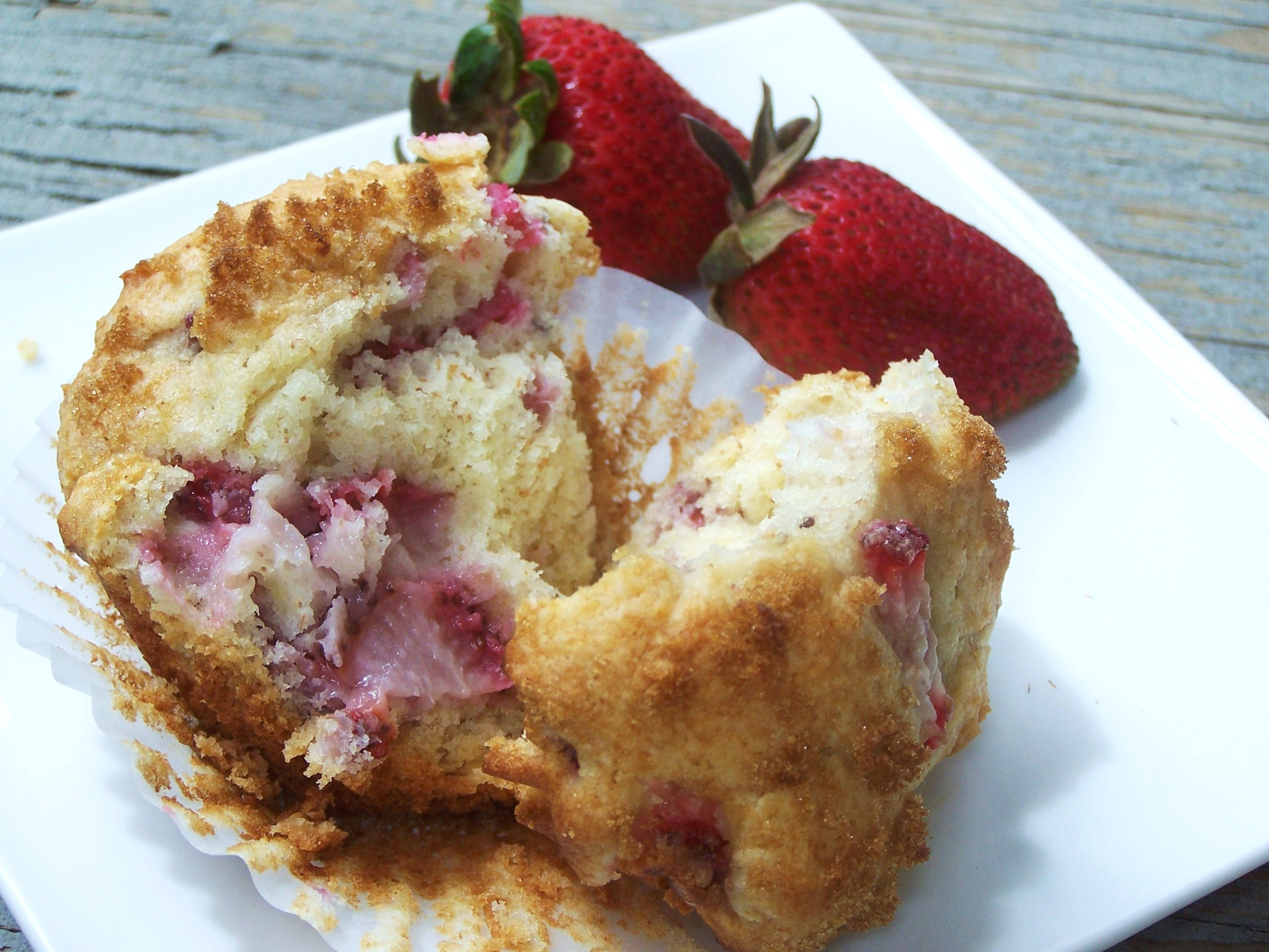 Strawberry Rhubarb muffins {Hidden Ponies Blog}