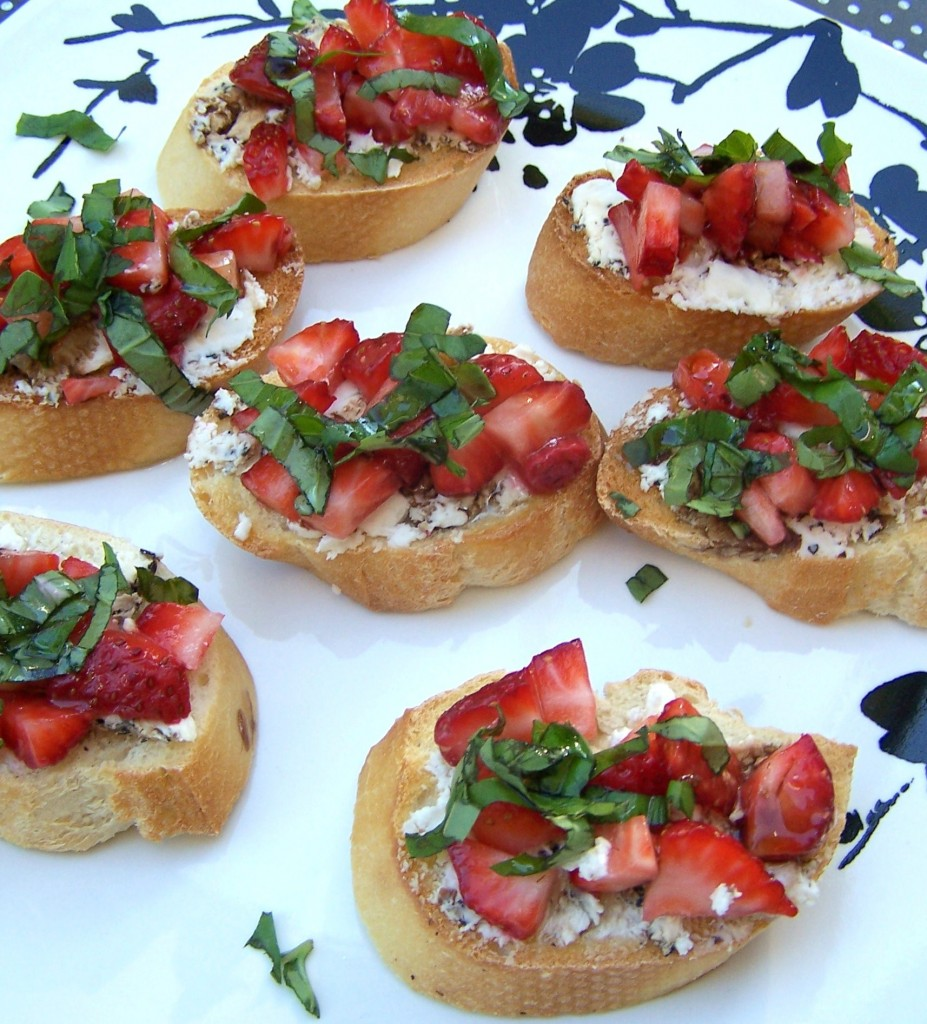 Strawberry Basil Bruschetta - perfect appy or light summer meal!
