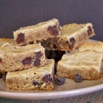 Saturday Sweets: PEANUT BUTTER CHOCOLATE CHIP SQUARES