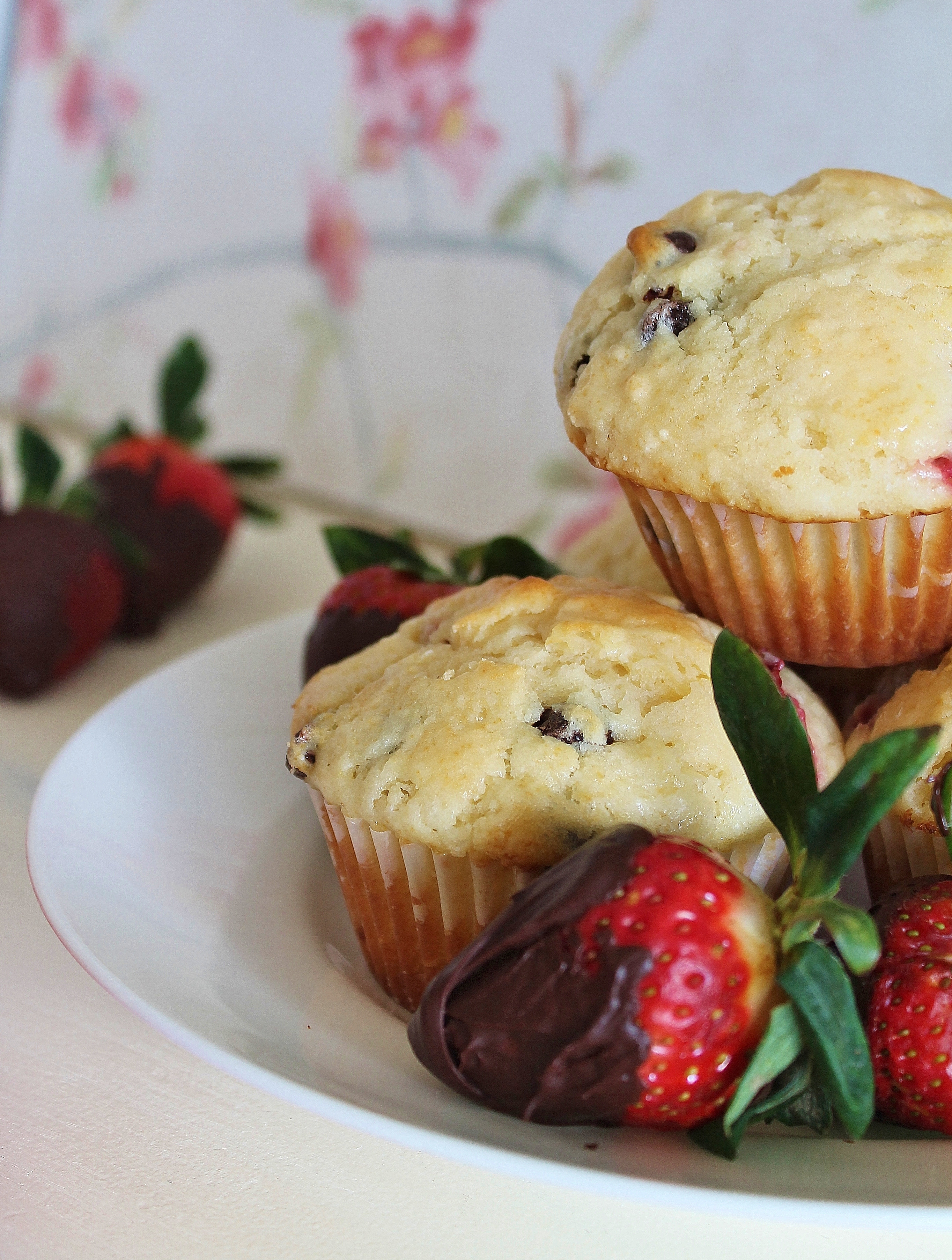 Chocolate_strawberry-muffin
