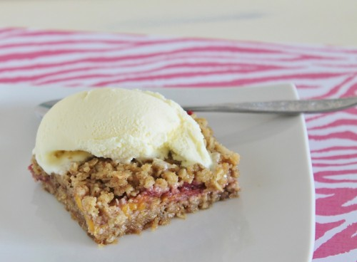 Peach Raspberry Crumble