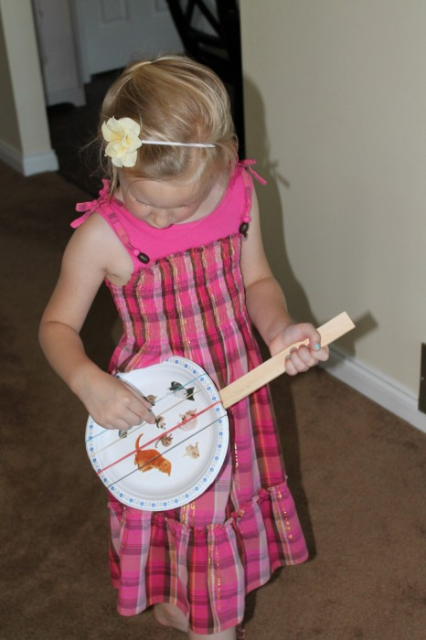 Easy paper plate guitars