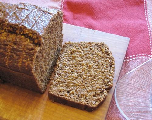 Pumpernickel Bread | www.hiddenponies.com