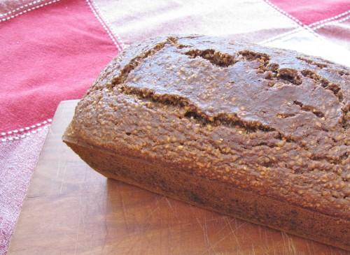 Pumpernickel Bread - high fibre, low fat | www.hiddenponies.com