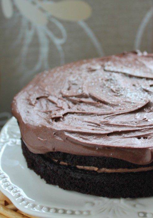 Gluten free chocolate cake with quinoa - no fancy flour blends required for a perfect, fudgy chocolate cake!