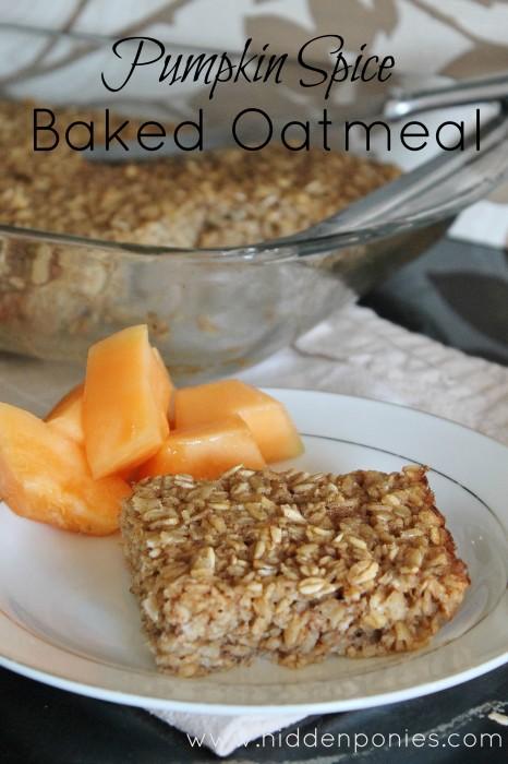 Baked Pumpkin Spice Oatmeal | www.hiddenponies.com