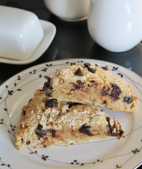 Oatmeal Chocolate Chip Scones (www.hiddenponies.com)