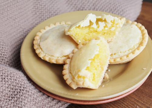 Almond Tarts - easy, impressive tarts full of almond flavour with just a hint of lemon!