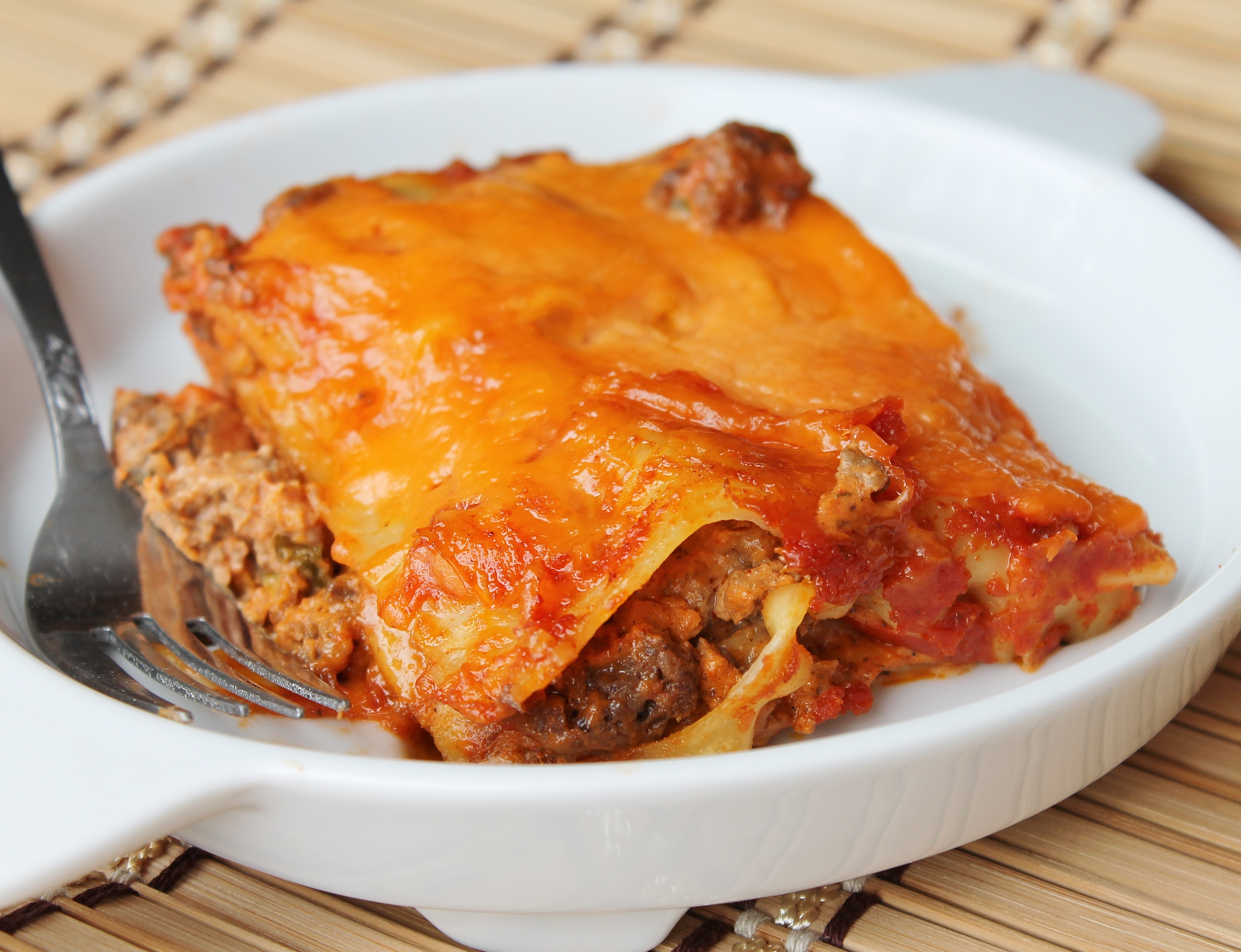 Taco lasagna - all the great flavours of taco in an easy weeknight ...