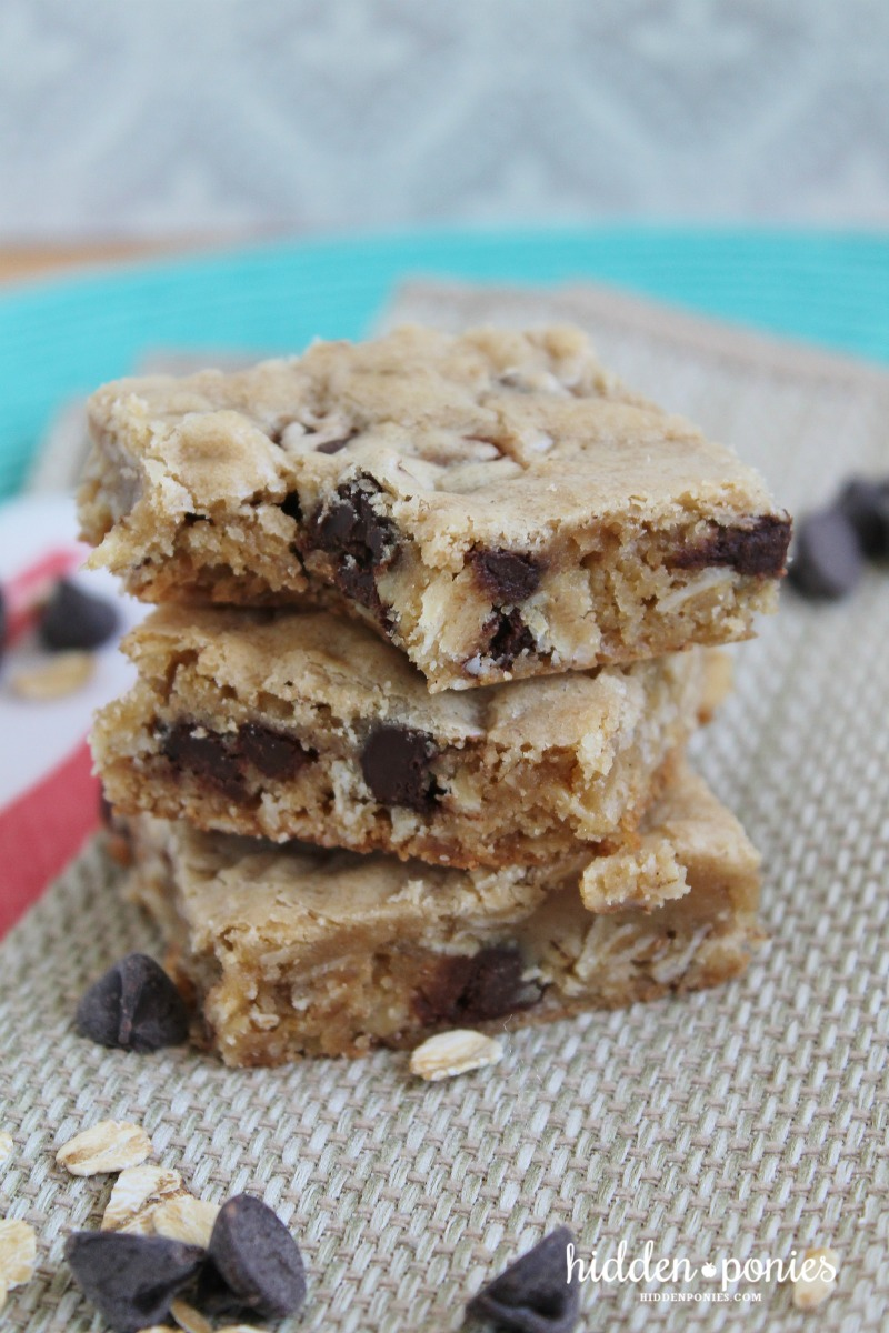 Oatmeal Chocolate Chip Squares - chewy, soft chocolate chip squares with a little something extra!