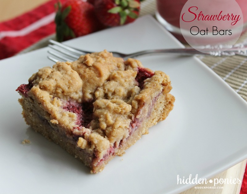 strawberry oat bars with strawberry chia jam