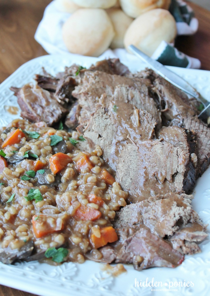 Slow Cooker Beef and Barley Risotto | hiddenponies.com