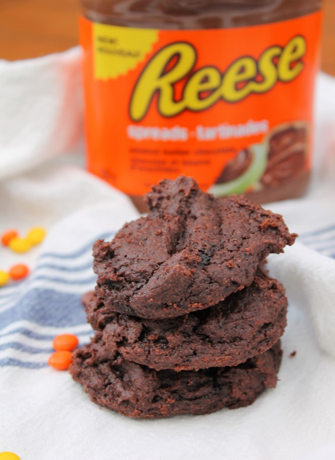 Fudgy cookies with a hint of peanut butter thanks to Reese's new peanut butter & chocolate spread.