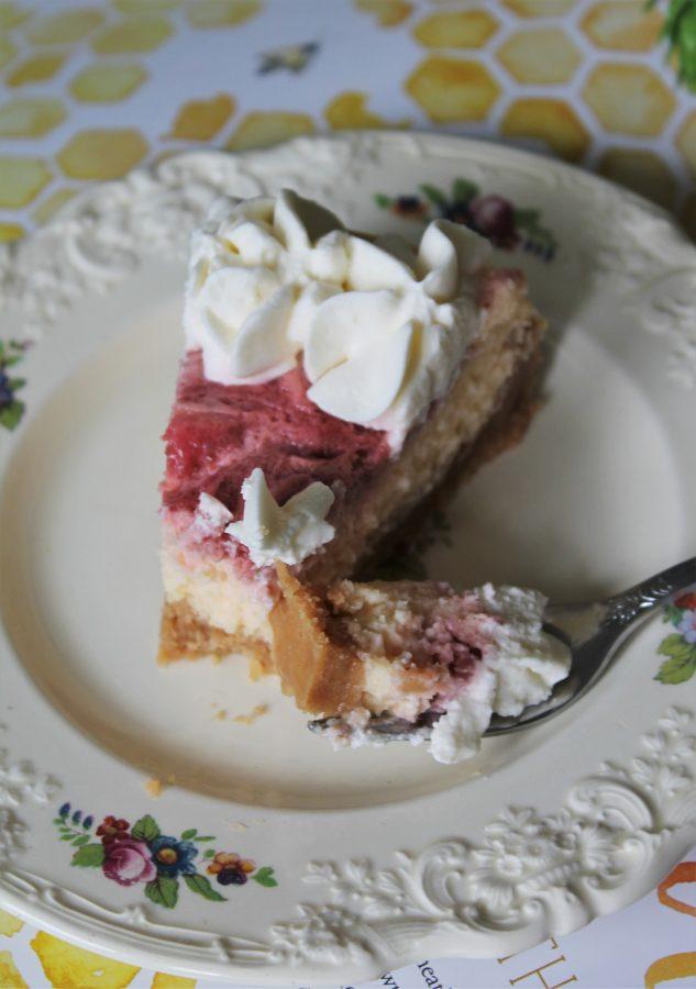 lemon cheesecake with berry swirl
